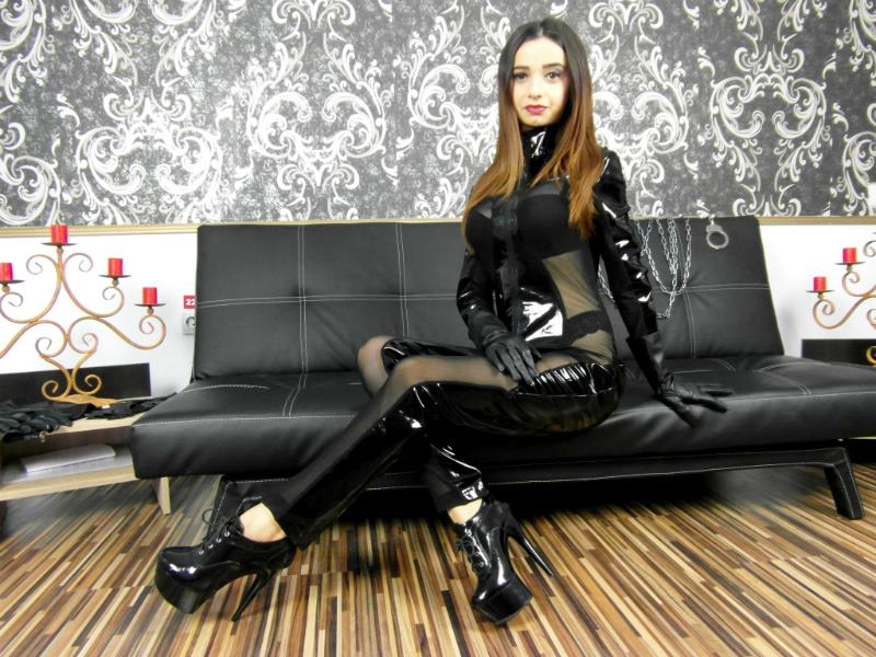 Live mistress