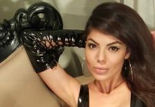 brunette-cam-mistress (1)